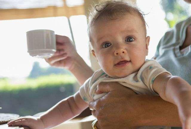 小宝宝不可以随便喝凉茶  知道为什么吗