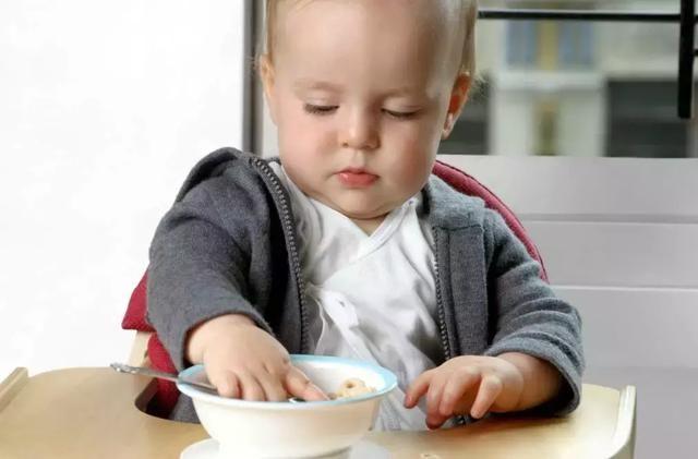 鼓励宝宝吃手指食物 好处不止这一点