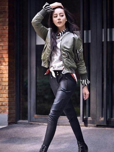 女明星穿皮裤谁最美?赵丽颖酷,李纹超音乐,迪性感性感女声图片