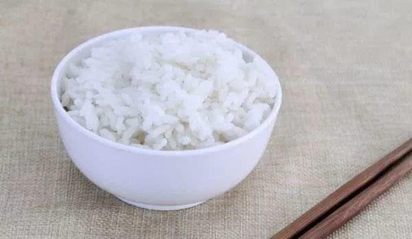 患上糖尿病与常吃白米饭有关系?面条、米饭、馒头谁的热量更高?