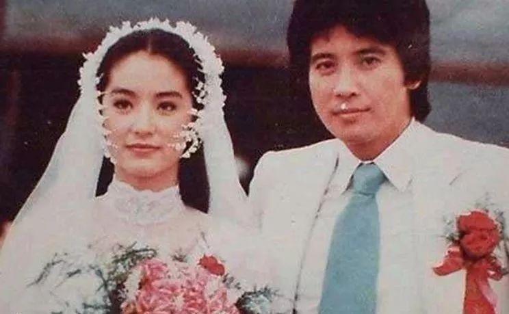 林青霞同时对秦祥林和秦汉有好感,当时秦汉已经结婚.图片