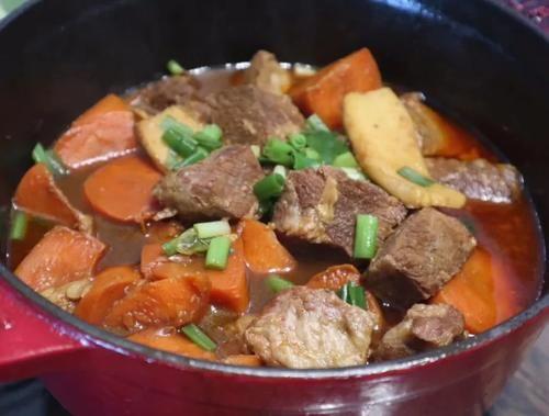 牛尾谱|胡萝卜食谱炖猪肩肉/番茄任务拉鲁城堡海小食图片