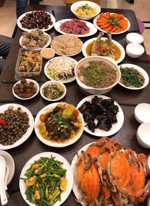 美味与图片的聚,全在这一桌高清浓浓的爱意亲情美食年味桌面壁纸图片