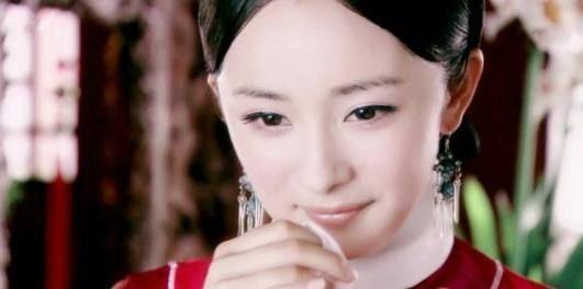 <b>《宫锁心玉》中有6大美女,她一人占两个名额,但最美的是佟丽娅</b>