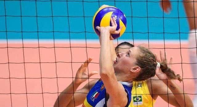 意大利女排天才球员,因身心俱疲,宣布暂时离开国家队!