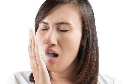 """口臭为啥自己闻不到?刷牙过程有妙招,及时了解,口臭""""不来扰"""""""