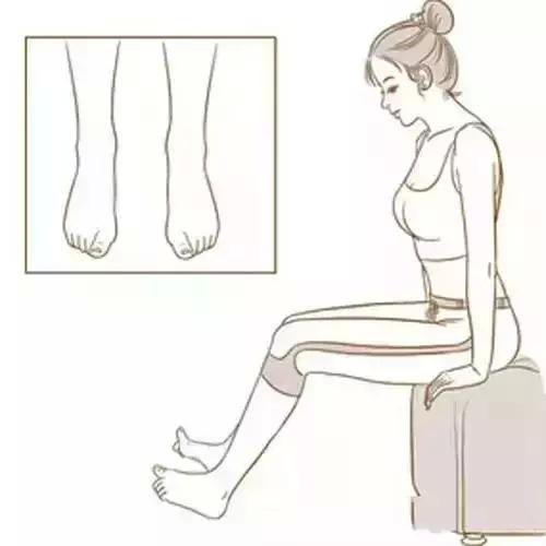 """活动脚趾的方法非常简单,学会做好""""剪刀石头布"""",对身体非常有好处"""