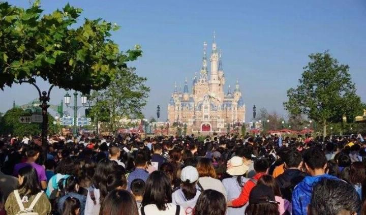 上海迪士尼屡成被告,跨国企业为何如此高傲?