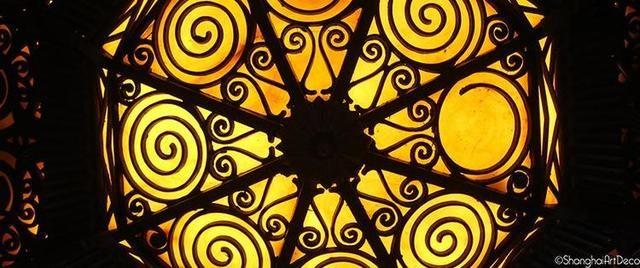 几何形状可以很多样,如三角形,六边形,螺旋形,阶梯形,锯齿形,鲨鱼纹