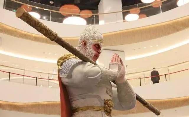 美猴王又在中国火了7米高雕塑突现西安成网红但这次不叫悟空 行业新闻 丰雄广告第2张