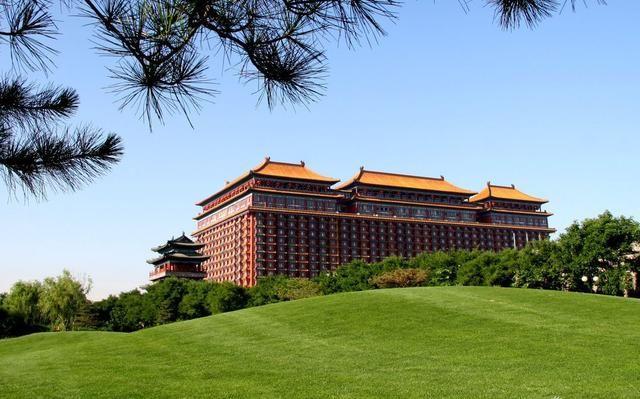 著名景点:曹妃甸湿地公园,曹妃甸龙岛旅游区,青龙湖度假区等.