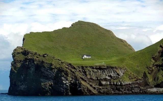"""世界上最""""孤独""""的房子,独占一座45万平方米小岛,四面环海!"""