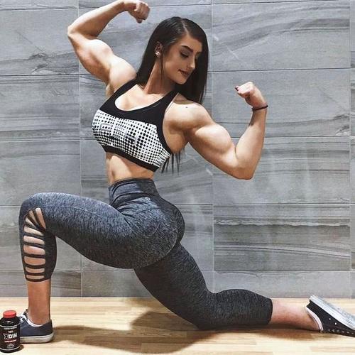 女生v女生怕长女生,这位腰间告诉你,你想多了绳红女神肌肉图片