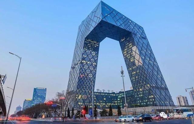 这就是设计央视大楼的德国建筑师奥雷舍人