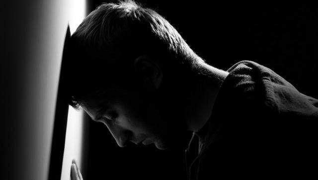 更年期抑郁症的症状_科普:更年期抑郁症的4大症状,学会了要教给身边的人