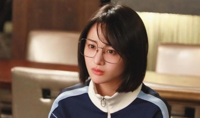 青春斗:小妮无意间的举动,让宋逸对她一见倾心