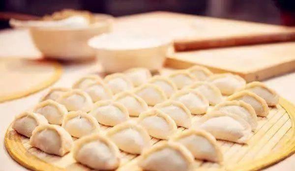 """三伏天吃饺子有""""3好"""",但这""""3种饺子"""",要少吃"""