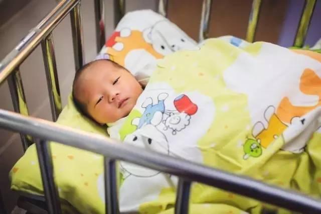 33岁高龄孕妇突患急性白血病,化疗和孩子,保大