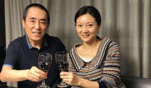 <b>刚成年就爱上50岁导演,连生三子才嫁入豪门,婚后被罚700多万?</b>