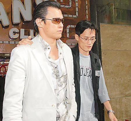 香港黑帮老大李泰龙_李泰龙是香港黑帮新义安老大【明星脸黑帮老大,注重的