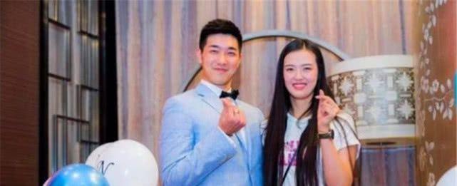 中国男篮运动员吴冠希向女排运动员张常宁求婚成功,强强联合?