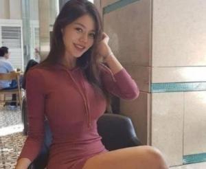 """她被誉为""""翻版杨贵妃"""",虽是160斤的女模特,却丝毫不显臃肿插图"""