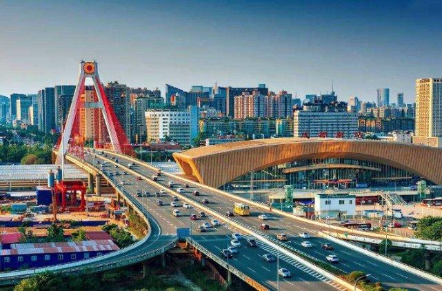 中国最牛的省会城市,GDP比省内8座城市之和还高,网友:厉害成都城市