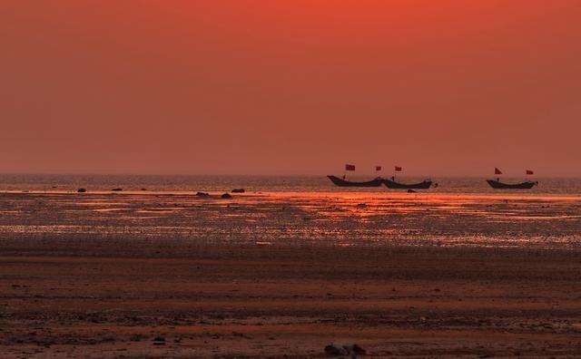 旅游 正文  觉华岛位于辽宁省葫芦岛市,地处华北城市群和东北城市群的