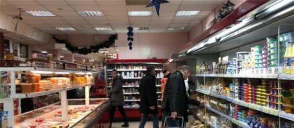 实拍俄罗斯超市物价,看看跟中国现在的物价比,到底水平怎么样?