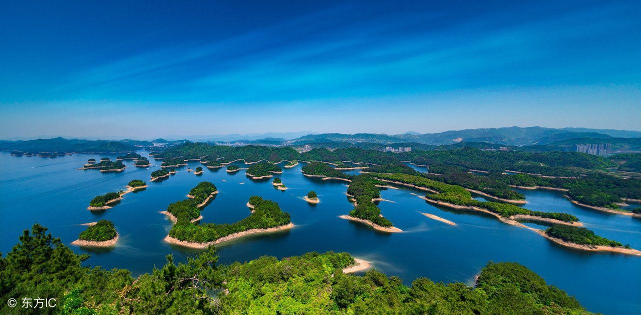旅游 正文  千岛湖中的小岛在最高水位时有1078座面积大于0.