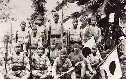 日本战败后,一女32男在孤岛上生活了7年,暴露了人性太多阴暗