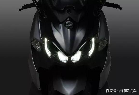 光阳AK550对手亮相,三阳TL500配置曝光,双缸465cc,马力40.7PS