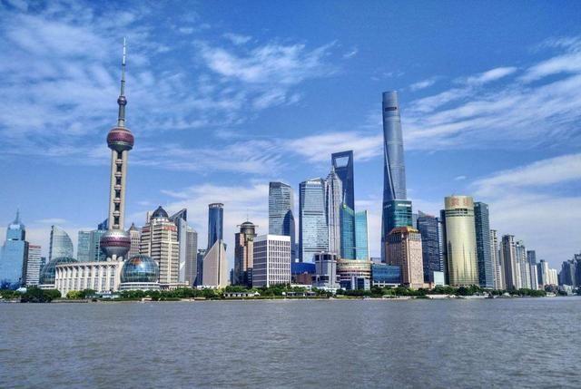 3000亿美元gdp城市_中国城市gdp排名2020