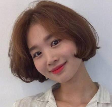 2015烫发最新流行发型女 轻松变身时尚潮女(2