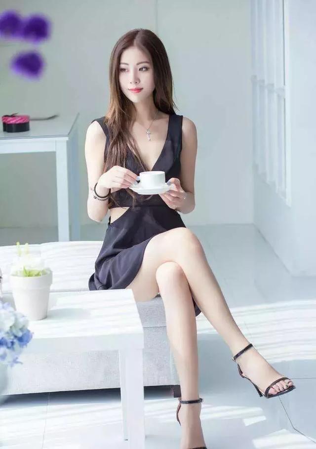 高跟鞋时尚又美丽,释放女生专属气质