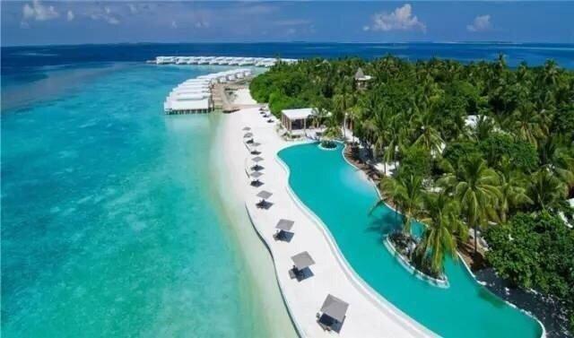 马尔代夫是一岛一酒店模式,根据自己喜好与出行预算综合考虑即可.