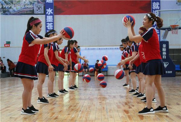 """苍溪:""""小篮球,大梦想"""",近距离采拍状元桥幼儿园篮球亲子活动"""