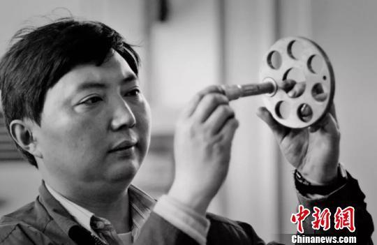 全国劳模李斌在沪病逝享年58岁