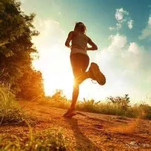 注意膝关节肿痛、活动时啪啪响?快看看护膝大
