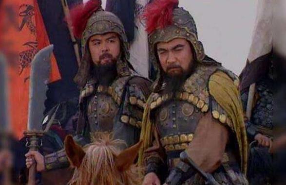 官渡大战前,曹操收编了30万黄巾军,与袁绍交战时为何不用?