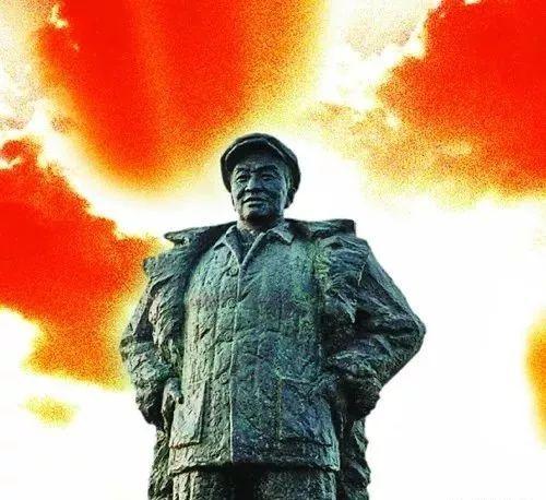 """毛 主 席时代""""五大精神""""!当今中国最缺哪个"""