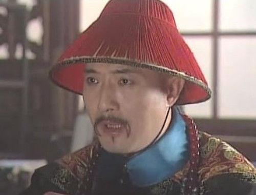皇帝欲杀大臣,大臣让妻子举报自己意图谋反,最后侥幸逃得性命