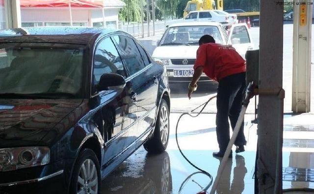 每5000公里就要换次机油?修车师傅:你可能被骗了