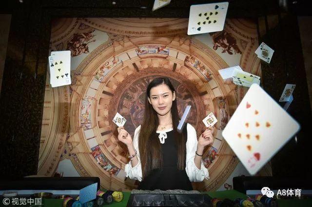 投身德州扑克后年薪百万,她就是成电留级女大