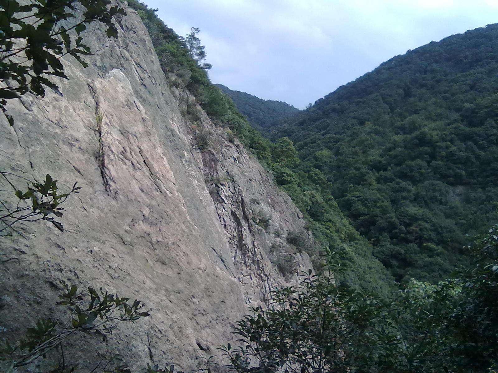 汝州九峰山国家森林公园,风景秀丽,有山有水,春季旅游