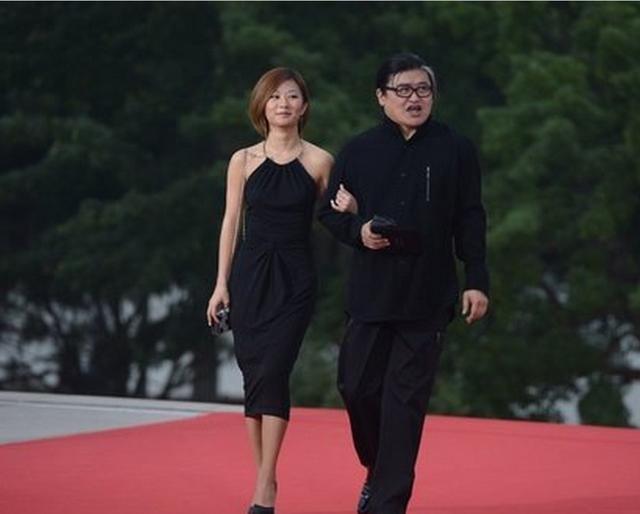 看完刘欢老婆正面照后,终于明白刘欢只晒女儿不晒妻子