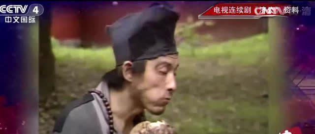 被北影当教材的4个镜头: 游本昌吃臭肉、周星驰哭笑、王宝强抽烟