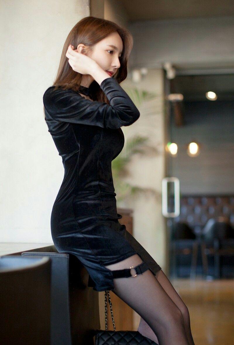 冬季新款优雅韩版黑色金丝绒连衣裙