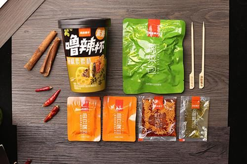 良品铺子将餐桌上的美食 装进口袋 重构休闲零食消费场景
