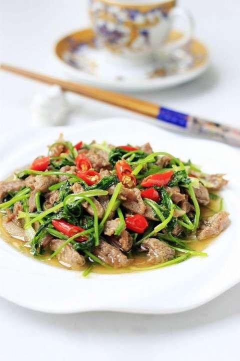 无膻味羊肉做法的秘诀——香菜炒羊肉
